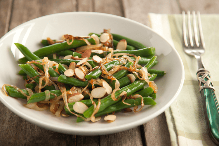 Green Beans Recipe with Almonds and Caramelized Onions